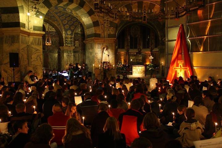 Bild aus der Nacht der Lichter im Aachener Dom aus einem vorherigen Jahr.